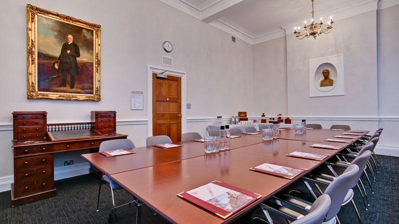 Harry Ricardo - Boardroom Style