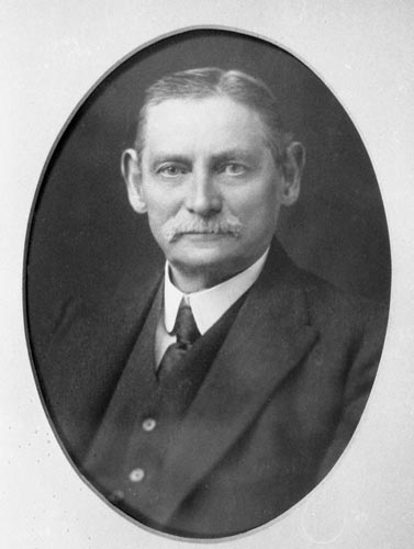Captain Matthew Henry Phineas Riall Sankey 1920-1921