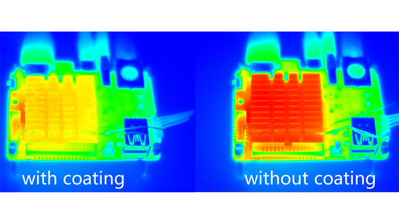 An infrared image shows a heat sink coated with MIL-101(Cr) is cooler than one without (Credit: Chenxi Wang)