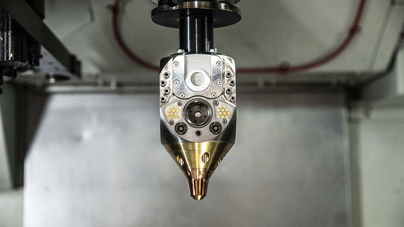 The hybrid platform switches between additive and subtractive manufacturing 'with a simple tool-change'