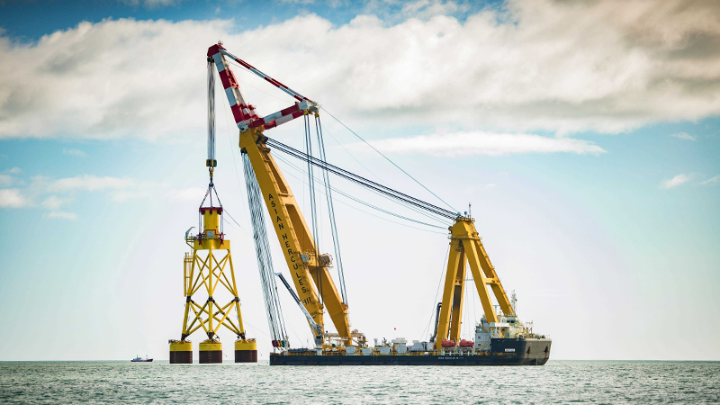 The 25,000 tonne Asian Hercules III installs the first suction bucket jacket foundation for the EOWDC, off Aberdeen Bay (Credit: Vattenfall)