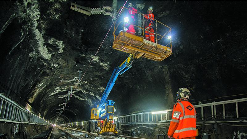 Installation of overhead conductor bar brackets in Glasgow Queen Street tunnel