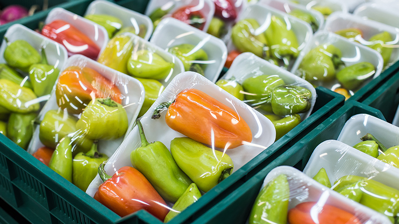 Innovative packaging can tackle food waste and plastic pollution (Credit: Shutterstock)
