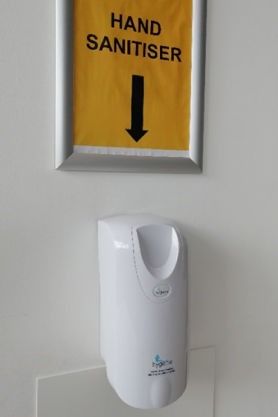 Clear marking of sanitizer dispensers (Source: MTC)