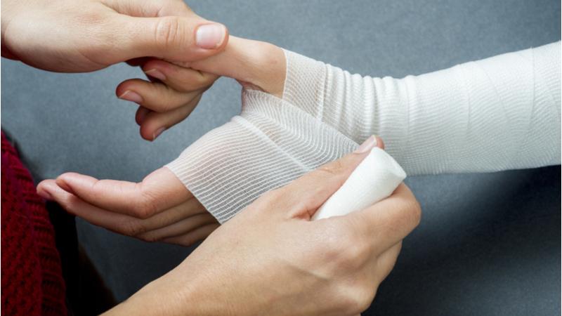 'Smart' bandage tracks wound healing and transmits information  Image