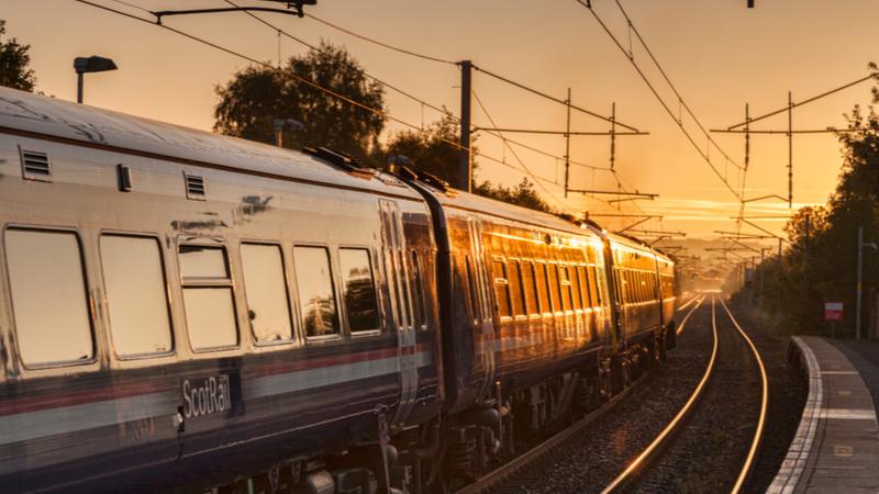更换柴油火车和脱碳网络Imprimage所需的大型电气化