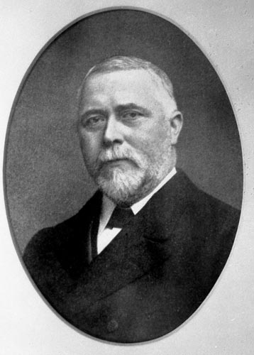 Sir William H White 1899-1900